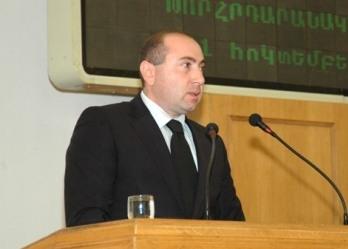 Время  выдвинуть вперед задний ум армянина