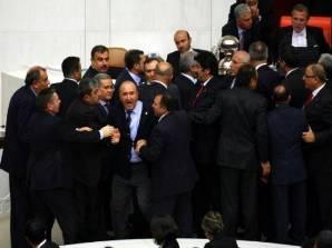Նախօրեին Թուրքիայի խորհրդարանում տեղի է ունեցել ծեծկռտուք