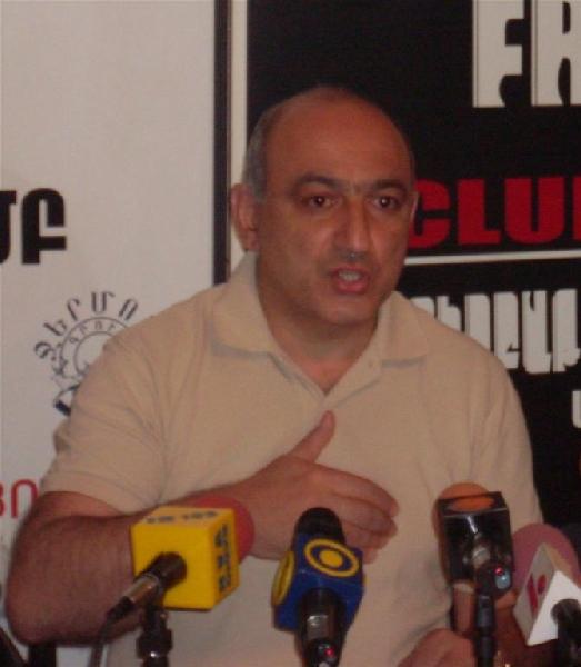 Երևանի մամուլի ակումբը չի ուսումնասիրել ծեծված լրագրողների դեպքերը