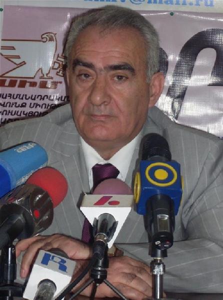 Галуст Саакян: «Нельзя инструменты, данные обществом, швырять ему в лицо»