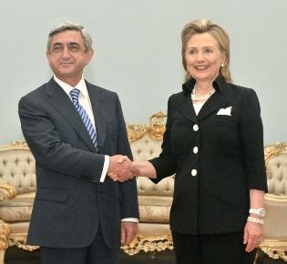 Реальная цена «заигрывания» с Хиллари или кто лжец?