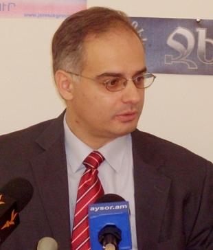 Левон Зурабян представил аргументы в пользу внеочередных выборов