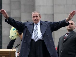 Левон Тер-Петросян стал гарантом сохранения власти Сержа Саргсяна