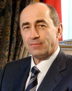 Роберт Кочарян: «Что сейчас конкретно происходит между властью и оппозицией - я не знаю»