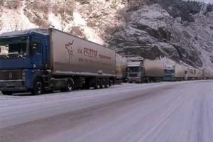 Հայկական 60 բեռնատար հատել է Վերին Լարսի անցակետը