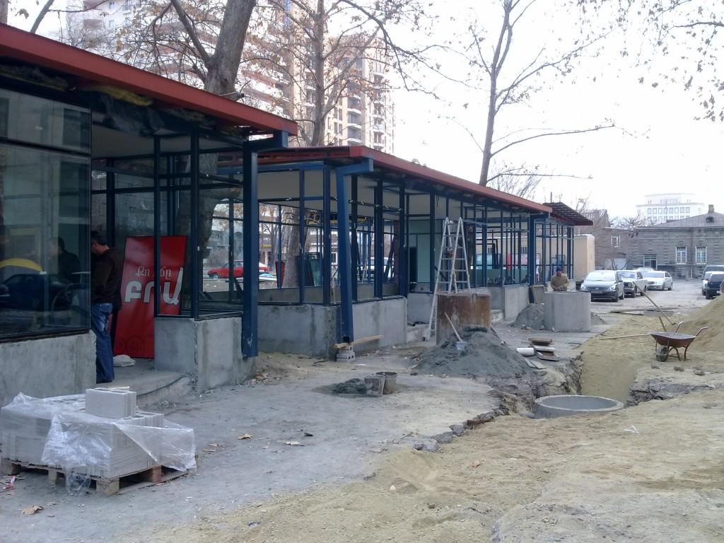 Աբովյան փողոցից ապամոնտաժված կառույցները տեղափոխվել են Մաշտոց-Կողբացի հատված
