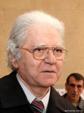 Скончался Арамаис Саакян