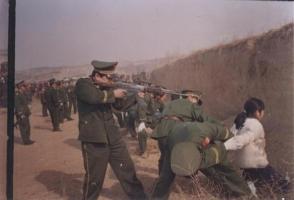 В КНДР за аморальное поведение и просмотр южнокорейских программ казнили 80 человек