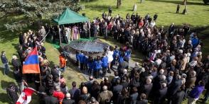 Հայոց ցեղասպանության զոհերին նվիրված հուշարձան Վանկուվերում