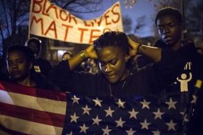 ԱՄՆ ատենակալները կլուծեն աֆրոամերիկացուն սպանած ոստիկանին դատելու հարցը