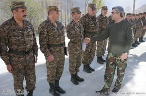 Իրո՞ք Սարգսյանը գերագույն գլխավոր հրամանատարն է (տեսանյութ)