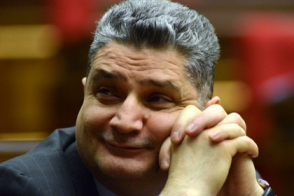 Տիգրան Սարգսյանը հեռվից էլ է շարունակում Հայաստանին վնասել