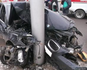 Գյումրիում ավտոմեքենան բախվել է սյանը