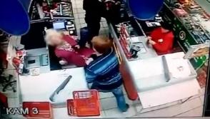 Երիտասարդը դրամարկղի մոտ նոկաուդի է ենթարկել թոշակառու տատիկի