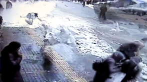 Թուրքիայում ձնե հսկայական զանգվածը թափվել է անցորդների գլխին. կան տուժածներ (տեսանյութ)