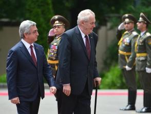 Սերժ Սարգսյանն ու Միլոշ Զեմանը հուշագիր են ստորագրել