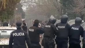 В Аргентине толпа заподозрила циркачей в краже детей (видео)