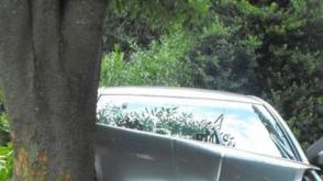 «Տոյոտա Պրադո»-ն բախվել է մայթեզրին, «ԳԱԶ-53»-ը՝ ծառին