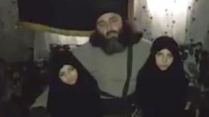 Ինչպես են Սիրիայում ծնողները համբուրելով հրաժեշտ տալիս իրենց փոքրիկ մահապարտ դուստրերին՝ ահաբեկչությունից առաջ (լուսանկարներ, տեսանյութ)