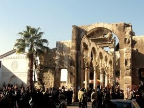 Ավելի քան 2,6 հազար ապստամբ զենքը վայր է դրել Դամասկոսում (տեսանյութ)