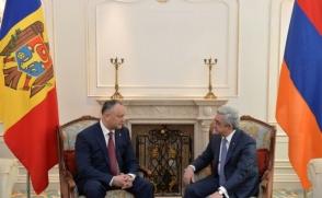 Серж Саргсян встретился с президентом Молдовы Игорем Додоном