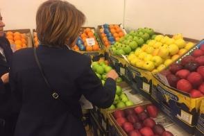 Մի շարք կետերում արգելվել է ադրբեջանական ծագման խնձորի վաճառքը (ֆոտոշարք)
