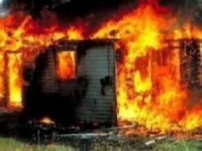 Շենիկ-Վանանդ ավտոճանապարհի ձախակողմյան հատվածում այրվել են անասնագոմ և վագոն-տնակ