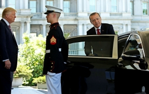 Էրդողանն իր հետ զրահապատ «Mercedes» էր տարել ԱՄՆ (լուսանկարներ)