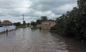 Ադրբեջանում ավելի քան 100 տուն ջրի տակ է անցել