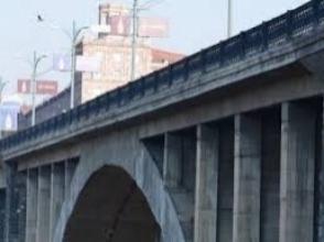 Կիևյան կամրջից իրեն ցած նետած 62-ամյա տղամարդը հիվանդանոցում մահացել է