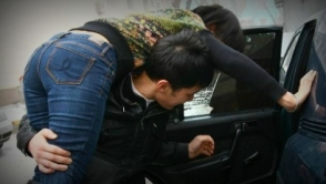 Ահարոն Ադիբեկյանի դուստրն ահազանգել է ոստիկանություն, թե Mercedes-ով ու Lexus-ով փակել են իր Mitsubishi-ի առջև և առևանգում կատարել