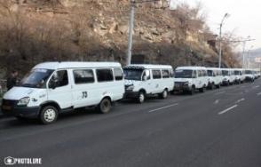 Գյումրիում գործադուլ են անում «ժամկետանց» միկրոավտոբուսների վարորդները