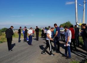 Նորակերտցիները փակել են գյուղ տանող ճանապարհը (տեսանյութ)