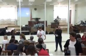 «Սասնա ծռերի» 10 անդամների գործով դատական նիստը․ դատարանը մերժեց խափանման միջոց կալանքը փոխելու պաշտպանների միջնորդությունը (տեսանյութ)