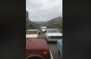 В Горисе перекрыли дорогу, протестуя против назначения Унана Погосяна (видео)