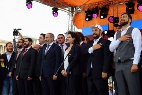 Новые лица парламента: шурин, племянник, сват, знакомый, родственник и водитель – 7or TV