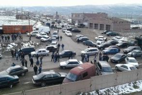 Քաղաքապետի թեկնածուներից մեկի կողմնակիցները փակել են Վարդենիս-Երևան մայրուղին