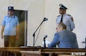 Ինչ ուզեմ՝ ասելու եմ, դու էլ նստած լսելու ես. Ռոբերտ Քոչարյանը՝ գլխավոր դատախազին (տեսանյութ)