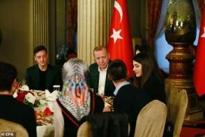 «Արսենալի» կիսապաշտպան Մեսութ Օզիլը ճաշել է Էրդողանի հետ (լուսանկար)