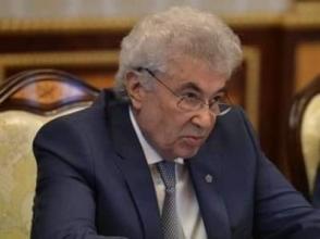 Армянский Талейран не выдержал бархатного давления