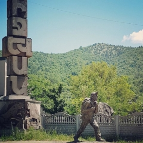 Օրվա կադր․ Իջևանում տեղադրվել է Նիկոլ Փաշինյանի արձանը