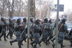 Մարտի 1-ի իրադարձությունների ժամանակ տուժած, բայց քրեական հետապնդման ենթարկված ոստիկանները չեն ստանա աջակցություն