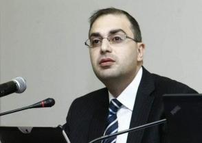 «Իմ քայլի» պատգամավորը, ով ՍԴ աշխատակազմի ղեկավարն էր, Հրայր Թովմասյանին համարո՞ւմ է ինքնկոչիկ