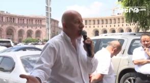 Ավտոներկրողները բողոքի ակցիա են իրականացնում կառավարության դիմաց. ուղիղ