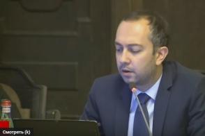 Ծառայողական մեքենաների հարցի քննարկման ժամանակ բանավեճ է ծավալվել կառավարությունում (տեսանյութ)