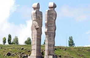 Էրդողանը փոխհատուցում կվճարի այն քանդակագործին, ում հեղինակած արձանը հրահանգել էր ապամոնտաժել