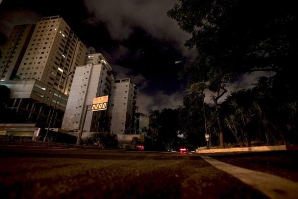 Վենեսուելան կրկին հայտնվել է մթության մեջ. Մադուրոն զանգվածային անջատումները «հանցավոր հարձակում» է որակել