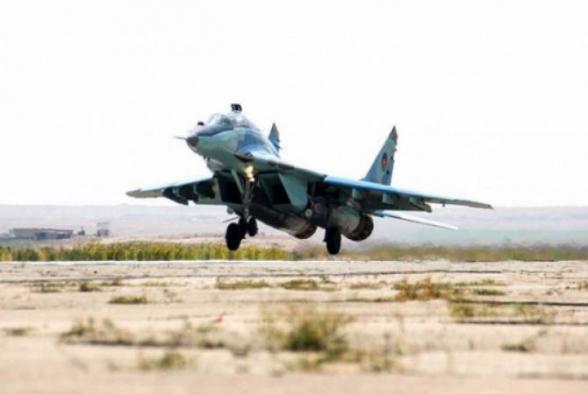 В Азербайджане приостановлены все учебно-тренировочные полеты ВВС