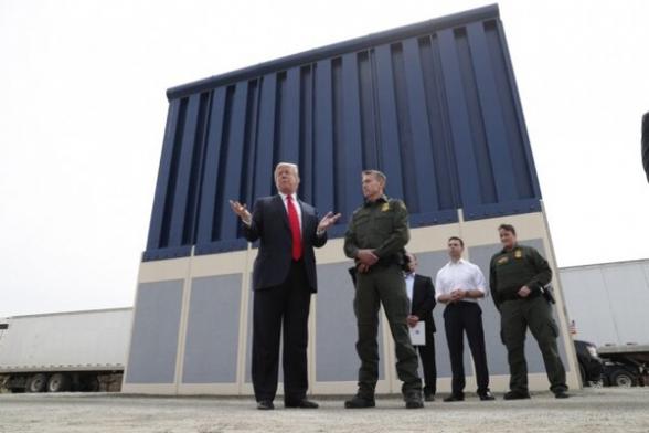 Суд разрешил Трампу взять $2,5 млрд у Пентагона на строительство стены