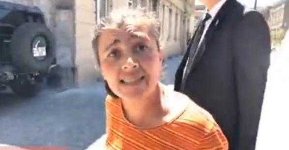 «Պատասխանատու եմ խաբեբա բառիս համար»․ վարչապետ Փաշինյանին քննադատած կնոջ պարզաբանումը (տեսանյութ)